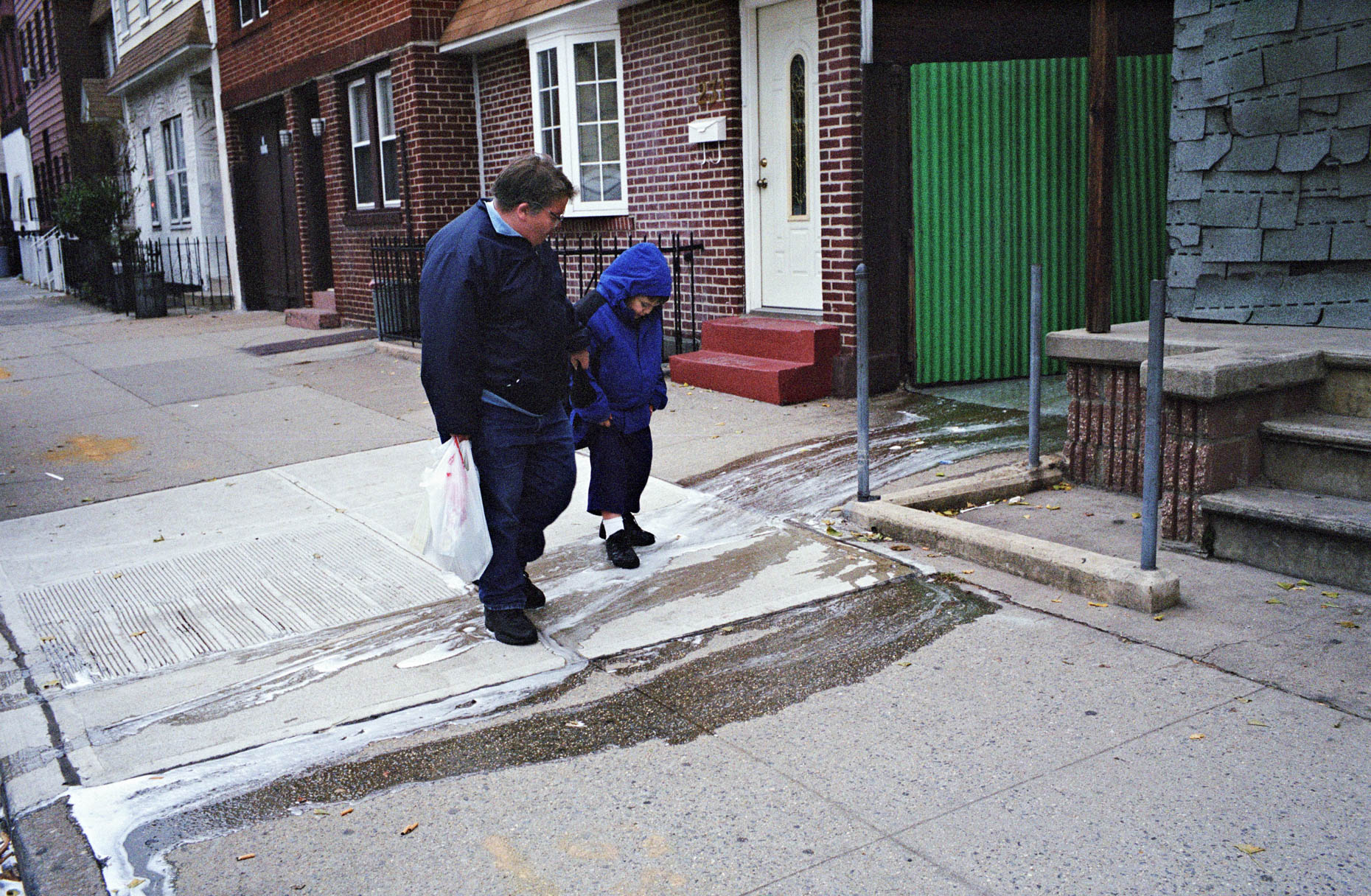 NorthBrooklyn_Web_Camardo_0039_spillwalking_b
